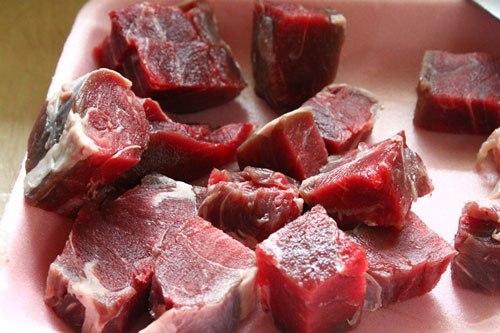 thịt bò hầm dứa