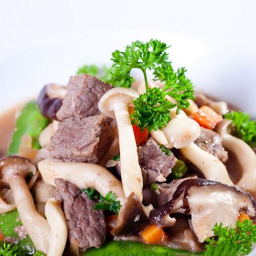 thịt bò hầm nấm