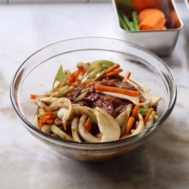 thịt bò xào cà rốt kiểu Hàn 4