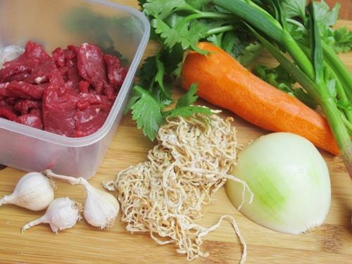 thịt bò xào củ cải khô 1