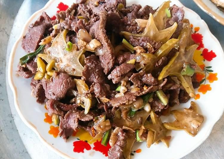 thịt bò xào khế 1