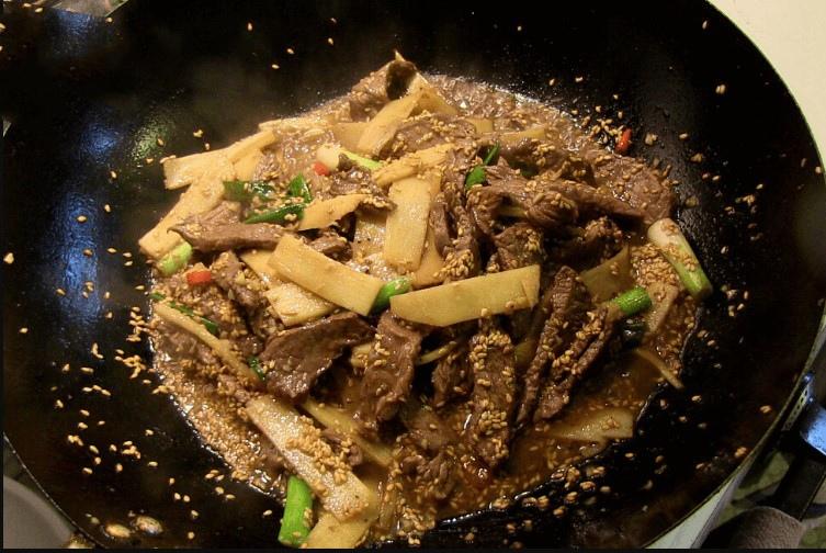 thịt bò xào măng chua 6