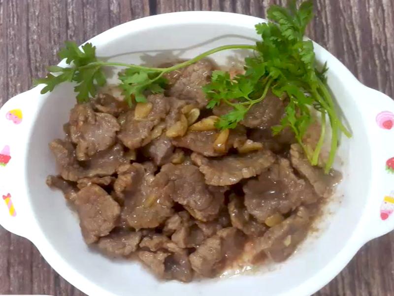 thịt bò xào tỏi
