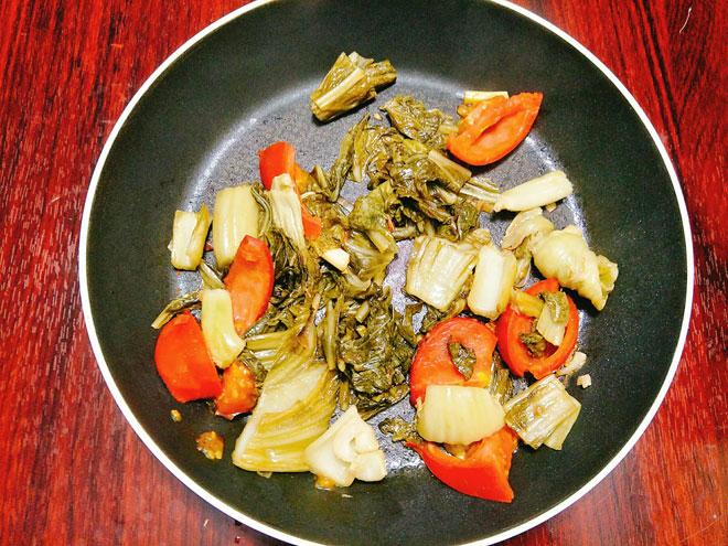 cách làm thịt bò nấu dưa chua 6