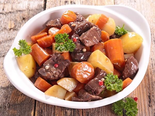 cách làm thịt bò nấu khoai tây 7