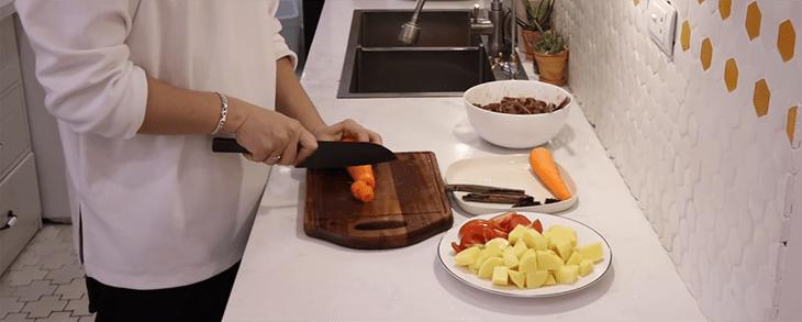cách làm thịt bò nấu sốt vang 4