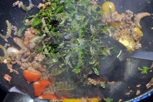 thịt bò nấu lá tía tô 8