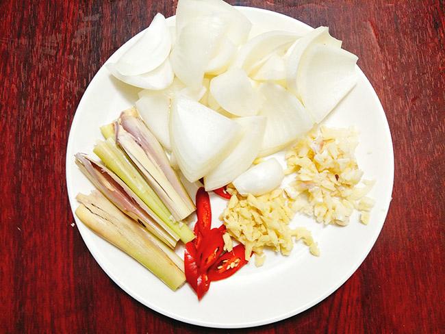 thịt bò nấu nước dừa 4