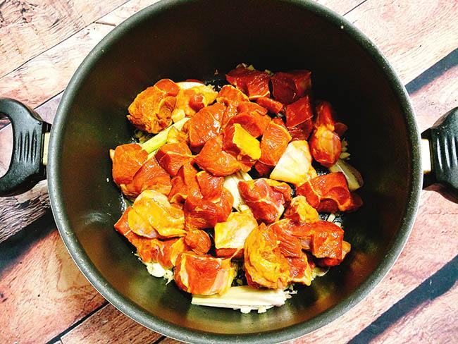 thịt bò nấu nước dừa 6