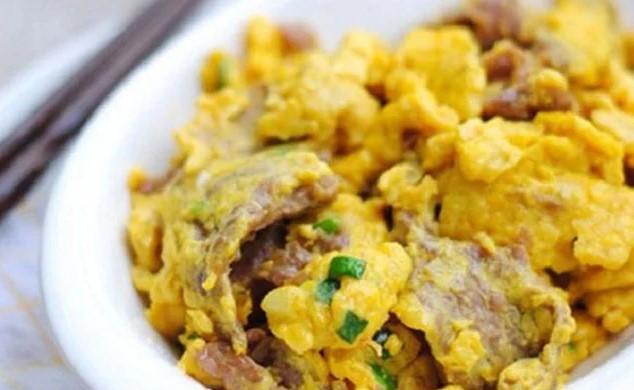 thịt bò nấu trứng gà 1
