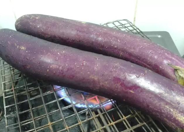 cà tím nướng bếp ga 2