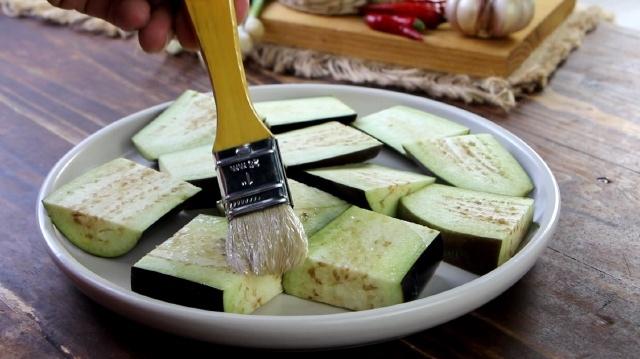 cà tím nướng lò vi sóng tỏi ớt 3