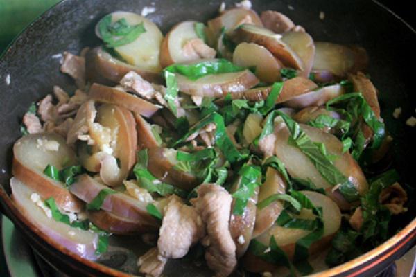 cà tím xào lá lốt thịt heo 5