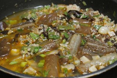 cà tím xào nấm hương thịt heo 5