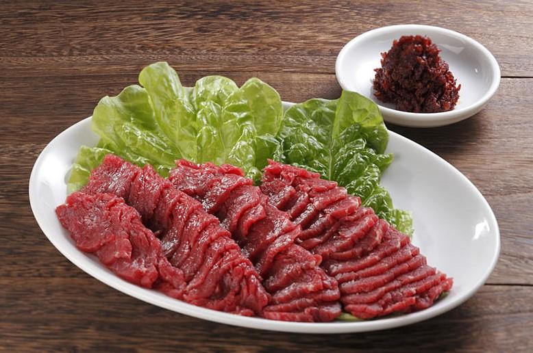 cách chọn thịt ngon làm thịt ngựa tái chanh 1