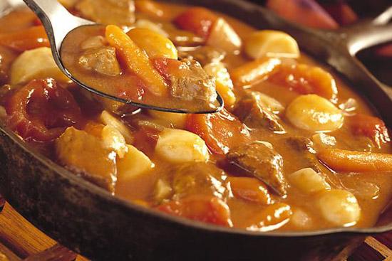 cách làm sườn bò hầm khoai tây cà rốt 4