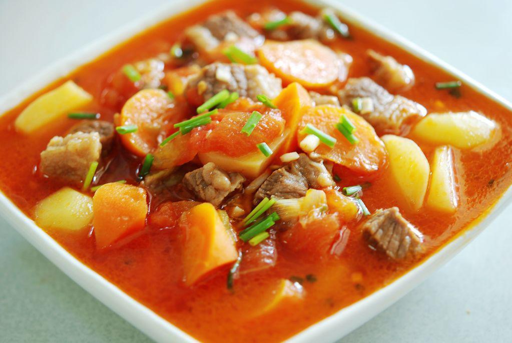 cách làm sườn bò hầm khoai tây cà rốt 9