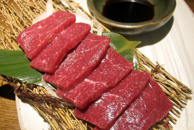 giá trị dinh dưỡng của thịt ngựa xào cần tây 1
