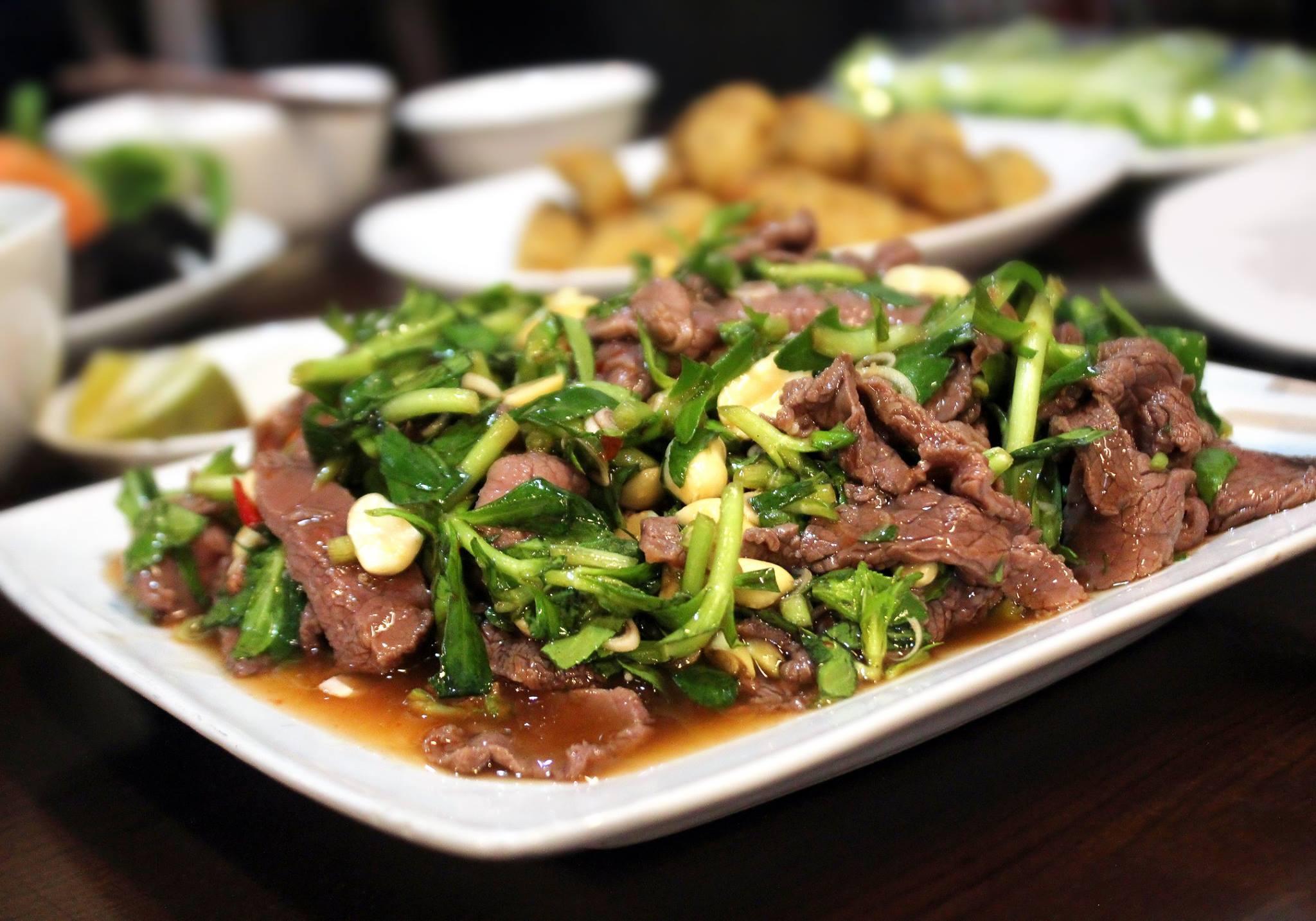 giá trị dinh dưỡng có trong thịt ngựa xào rau ngổ 1