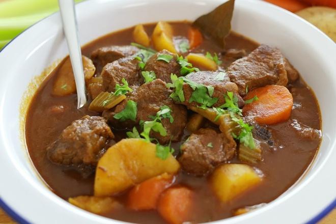 thịt ngựa hầm khoai tây 1