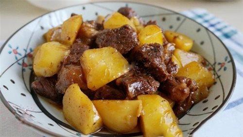 thịt ngựa hầm khoai tây đơn giản 3