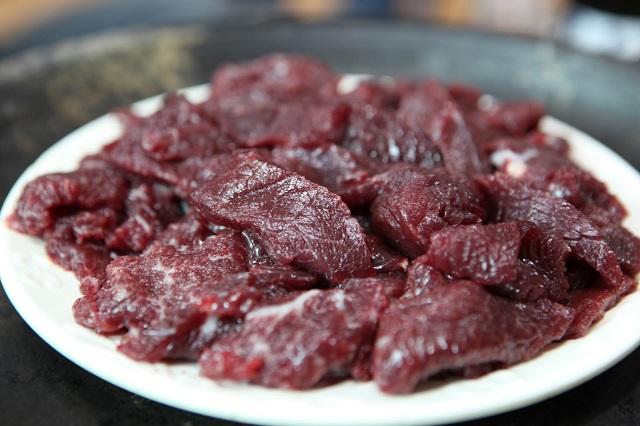 thịt ngựa xào rau muống 2