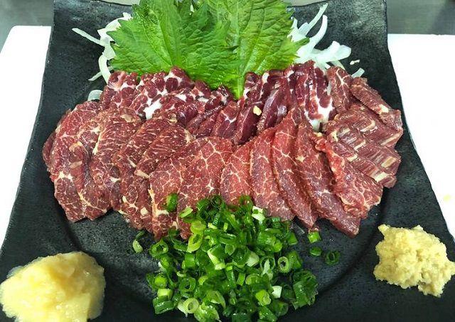 thịt ngựa xào rau răm 2