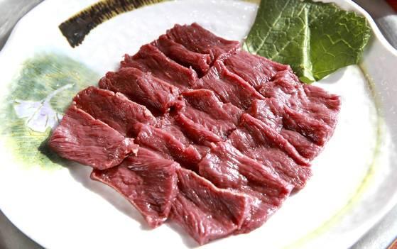 thịt ngựa xào tỏi 3