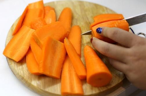 mề gà xào sa tế cà rốt 2