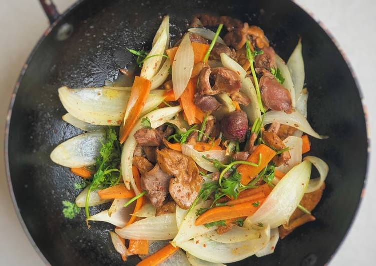 mề gà xào sa tế cà rốt 3