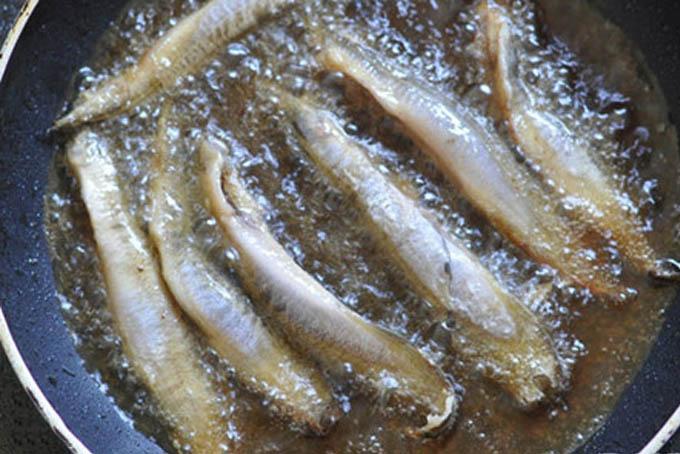 cá chạch rang muối 3
