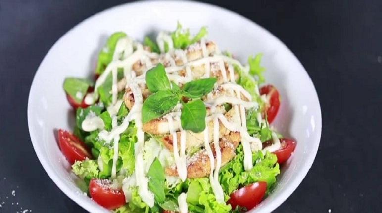 Cách làm salad ức gà mayonnaise 1
