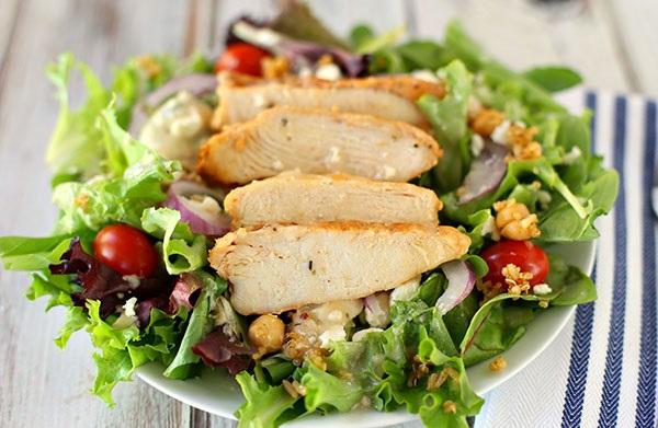Cách làm salad ức gà mayonnaise 4