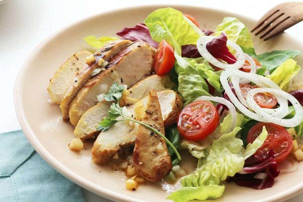 salad ức gà sốt mè rang 1