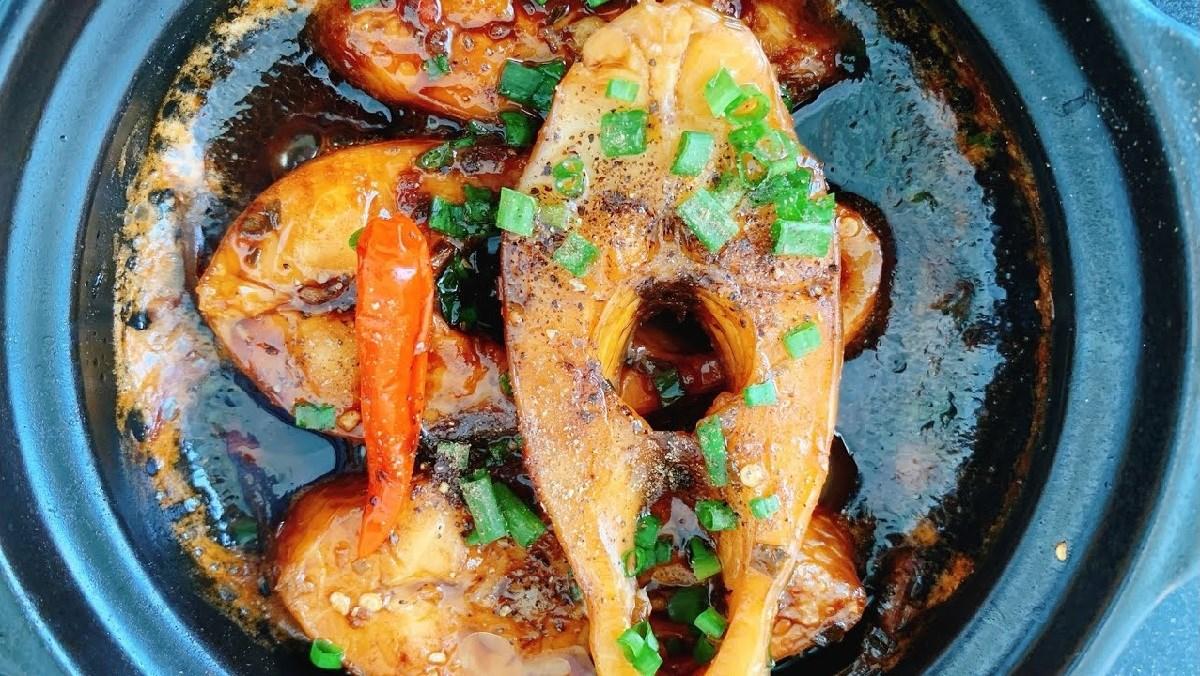 Cá diêu hồng kho tiêu thơm nồng hấp dẫn, đưa cơm ngày lạnh 1