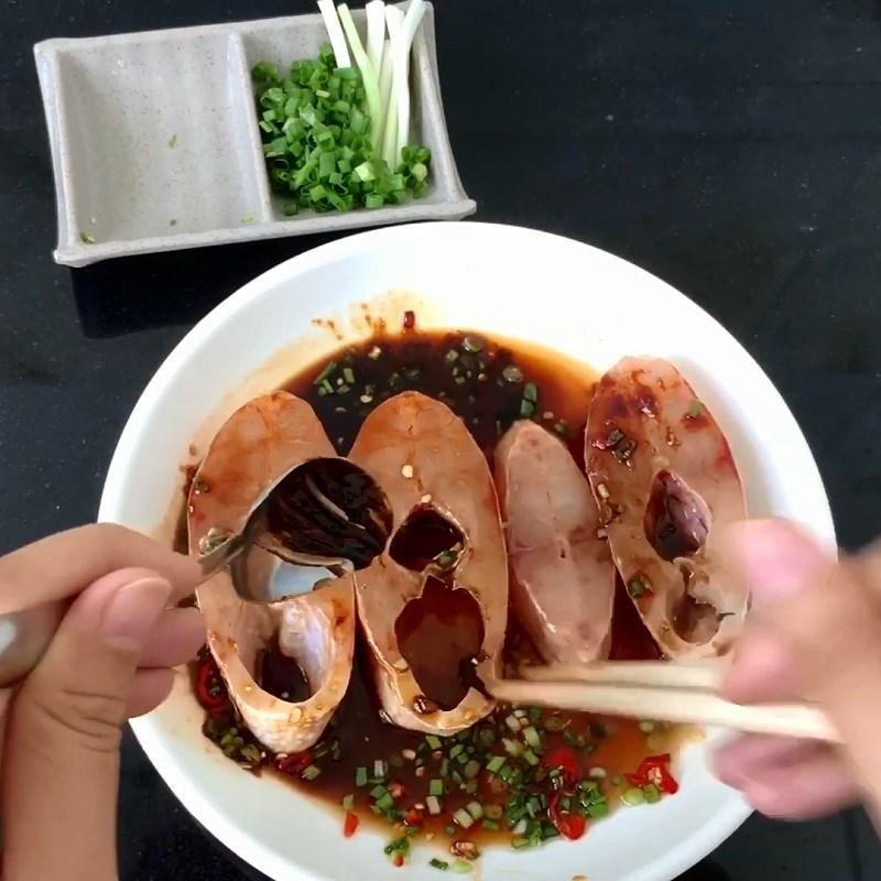 Cá diêu hồng kho tiêu thơm nồng hấp dẫn, đưa cơm ngày lạnh 4