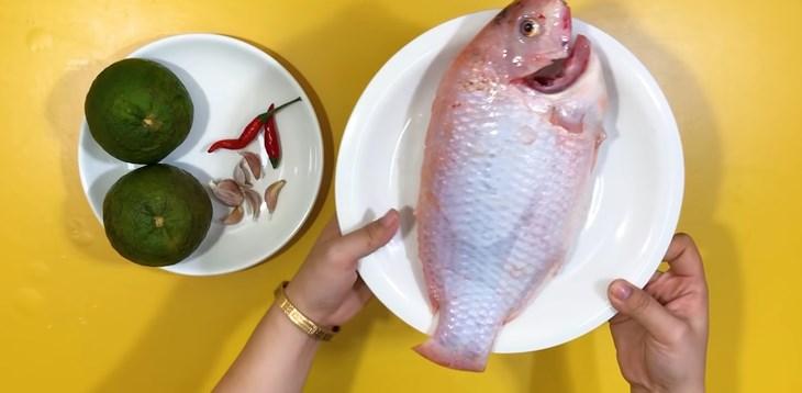 Cá diêu hồng sốt cam hương vị lạ miệng 2
