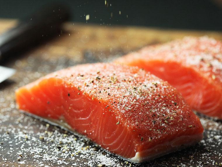 cá hồi áp chảo măng tây khoai tây nghiền 2