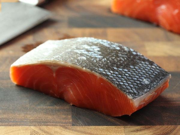 cá hồi áp chảo sốt bơ tỏi 2