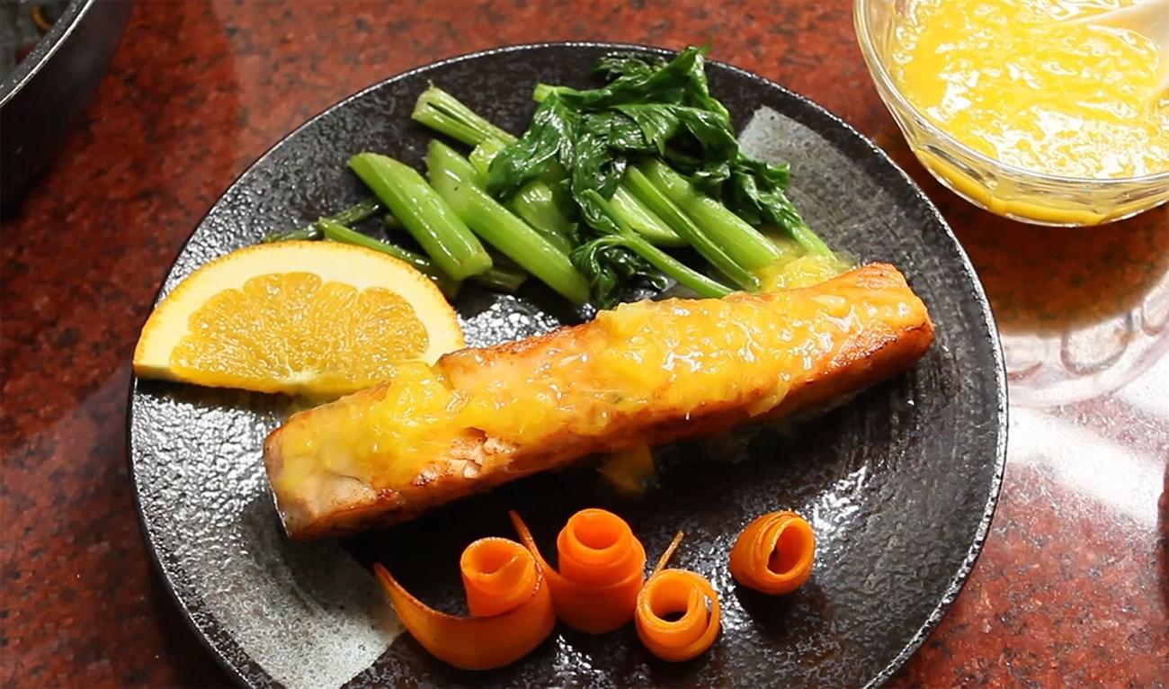 cá hồi áp chảo sốt cam cà rốt 7