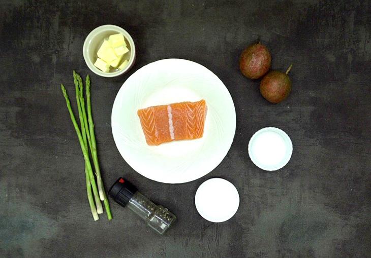 cá hồi áp chảo sốt chanh dây măng tây 1