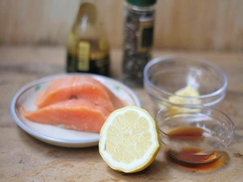 cá hồi áp chảo sốt xì dầu mật ong 1