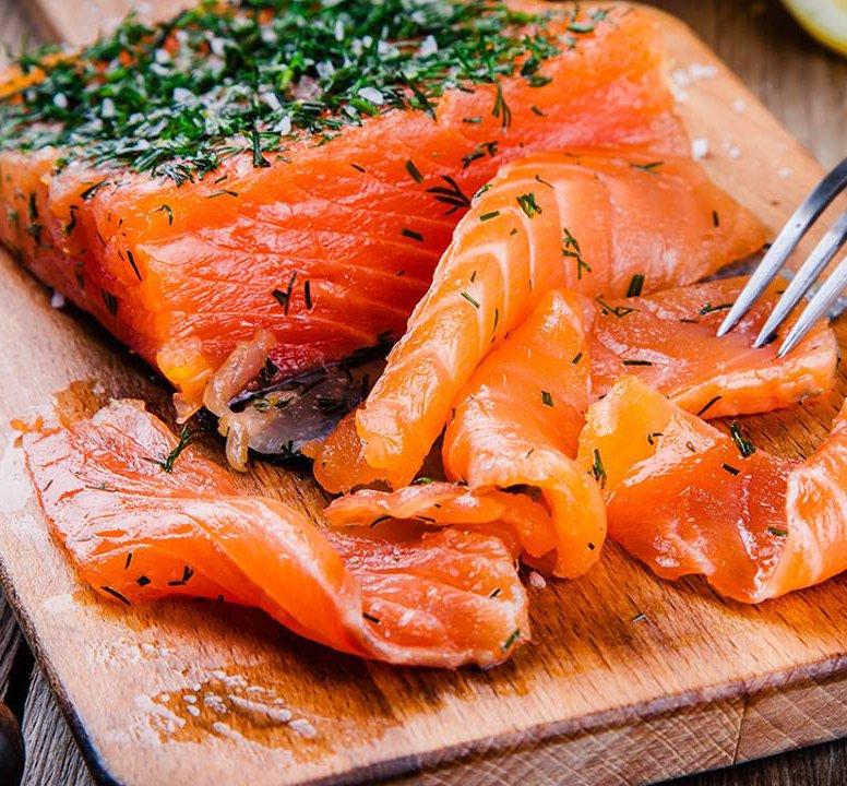 cá hồi nấu canh chua 2