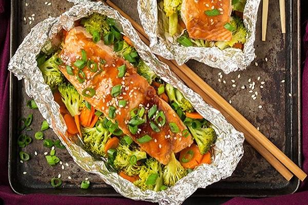 Cá hồi nướng giấy bạc đơn giản mà thơm ngon và giàu dưỡng chất 1