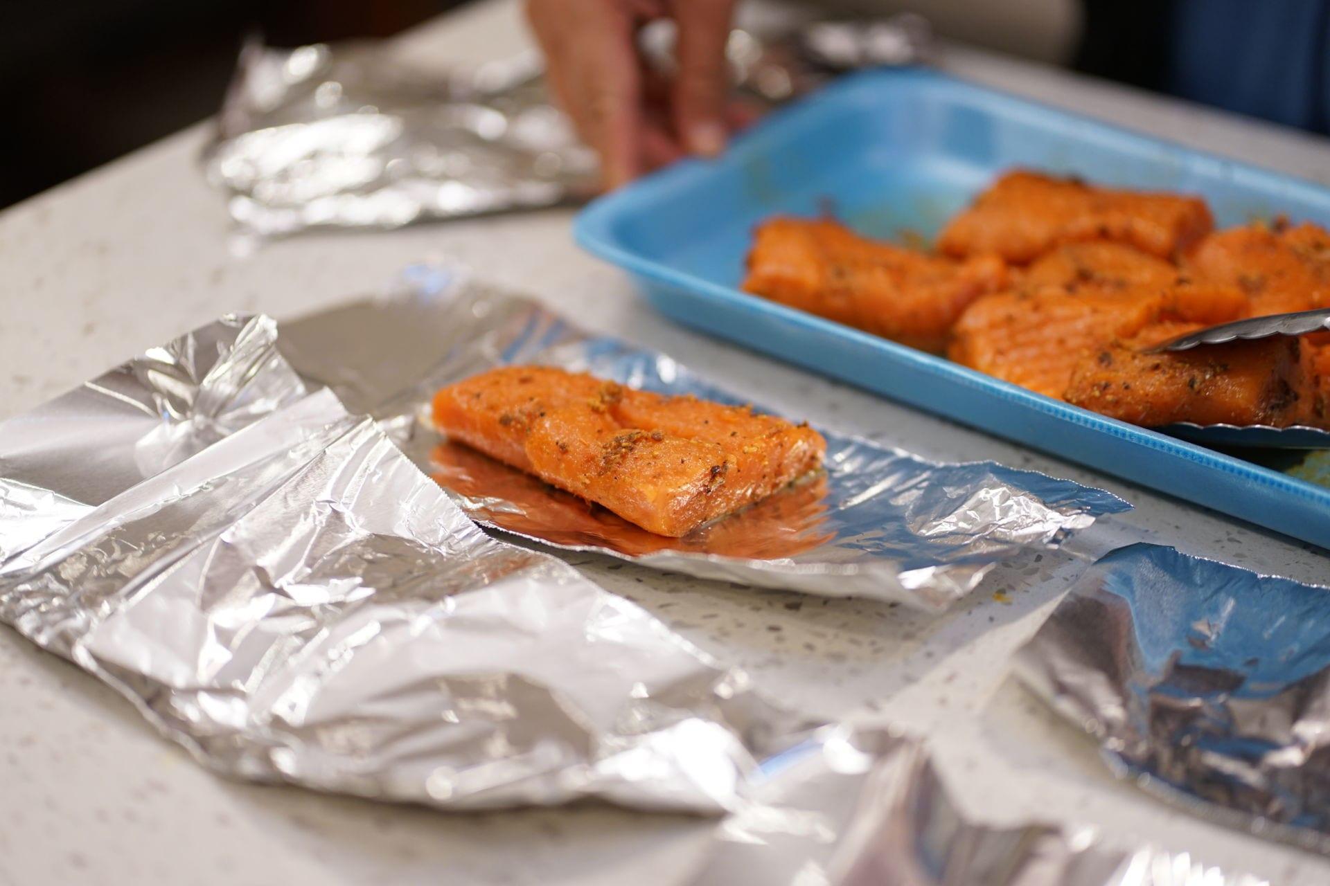 Cá hồi nướng sa tế 9