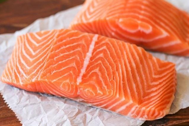 cá hồi nướng tiêu 2