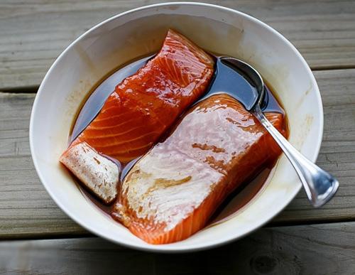 Cá hồi nướng xì dầu 4