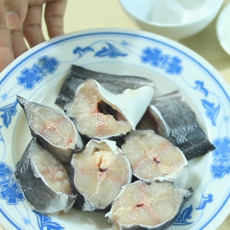 Cách làm cá trê kho tộ 2