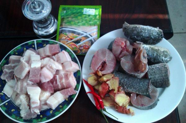 Cách làm cá trê nấu chuối 5