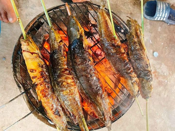 Cách làm cá trê nướng riềng mẻ 4